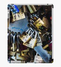 Key to Love iPad-Hülle & Klebefolie