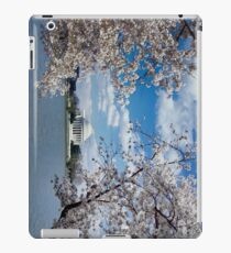 Thomas Jefferson Memorial with Cherry Blossoms iPad Case/Skin