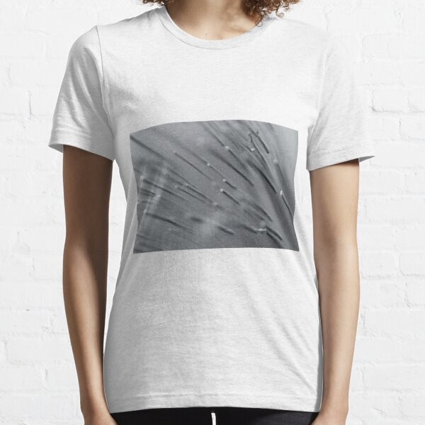 Ice spikes Essential T-Shirt