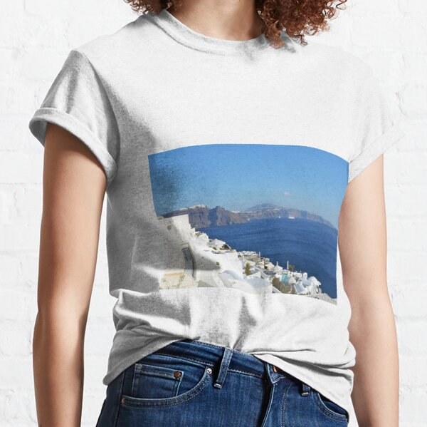 Beautiful white houses in Santorini, Greece Classic T-Shirt