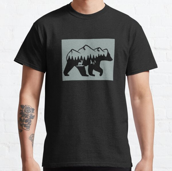 Wanderlust California Bear Silhouette with Mountains Landscape, Trees, Moon & Stars Classic Classic T-Shirt