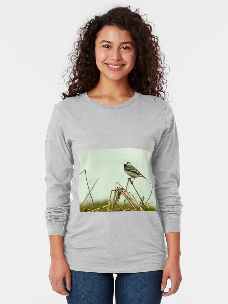 Alternate view of Pied Wagtail looking out... Long Sleeve T-Shirt