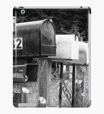 Black and white raw of old road country us mailboxes iPad Case/Skin