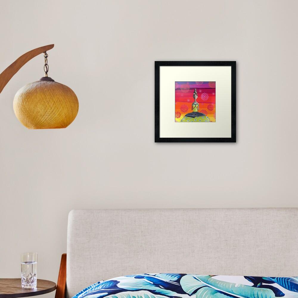 Impression encadrée «Fille Zen sous le ciel de l'arc-en-ciel - Art Yoga coloré»