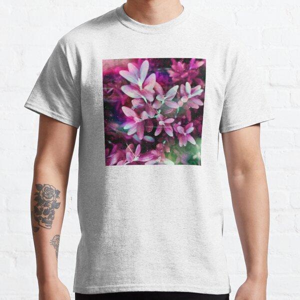 Hübsche rosa Blätter im Garten Classic T-Shirt