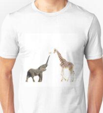 The giraffe and the elephant Unisex T-Shirt