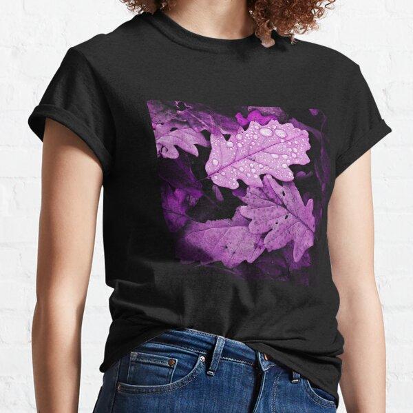 Herbstrosa Blätter mit Wassertropfen Classic T-Shirt