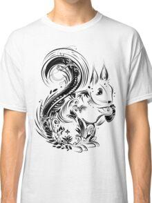 Eichhörnchen mit Eichel in den Pfoten Classic T-Shirt