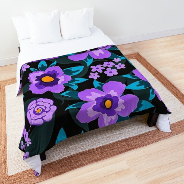 Floral Pattern with Flat Purple Flowers and Leaves Comforter