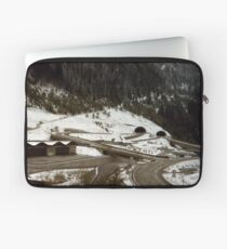 Austrian intersection in tangles Laptop Sleeve