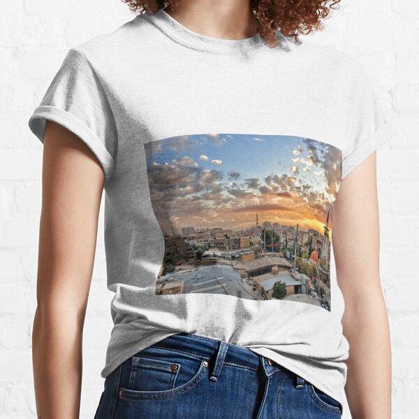 Sonnenuntergang in Al-Midan\ Damaskus Classic T-Shirt