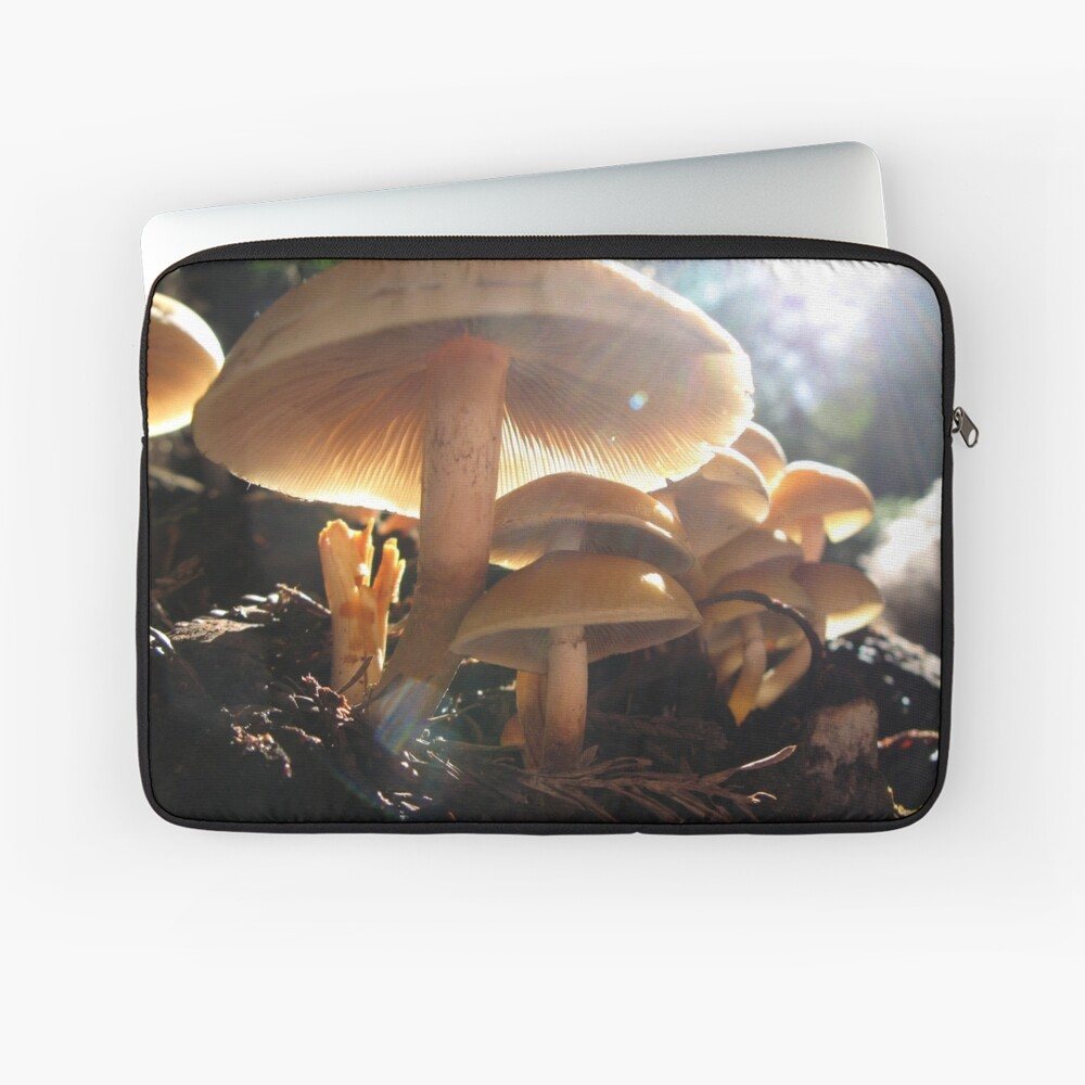 Shrooms Laptop Sleeve