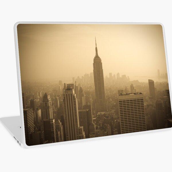 Empire State Building and Manhattan Skyline (Alan Copson ©) Laptop Skin