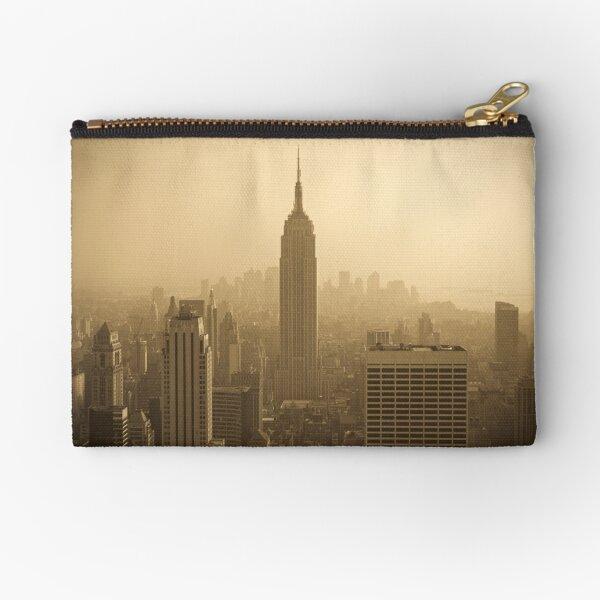 Empire State Building and Manhattan Skyline (Alan Copson ©) Zipper Pouch
