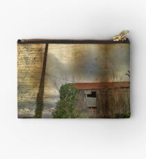 Barn Studio Pouch