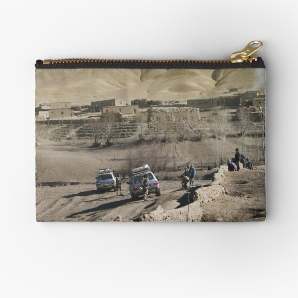 child and soldiers Zipper Pouch