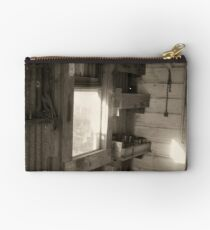 Shed Light Subject Studio Pouch