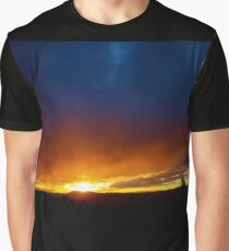 Sunray Sunday Sunset. Graphic T-Shirt