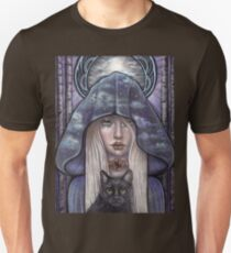 Nauthiz Rune Maiden black cat sorceress T-Shirt