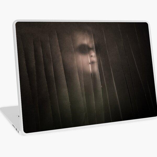 In-between 6b Laptop Skin