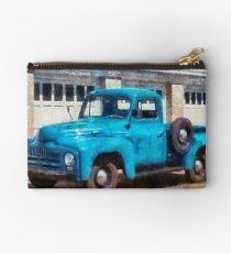 Truck - An International old truck Studio Pouch