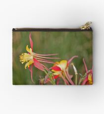 Flower to the left Studio Pouch