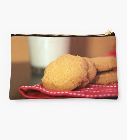 Cookies and Milk Studio Pouch