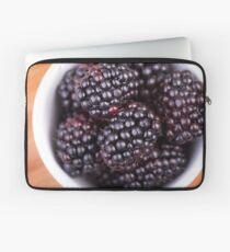 Bowl of Blackberries Laptoptasche