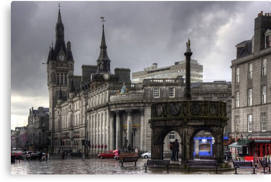 The Castlegate in the driving rain by Tom Gomez