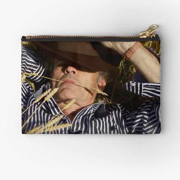 La siesta by Brown Sugar . Merry Christmas Everyone ******* Favorites: 6 Views: 908 . .. Dziękuję ! Zipper Pouch