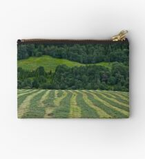 Memorable green & green moments . Norway.Brown Sugar. Studio Pouch