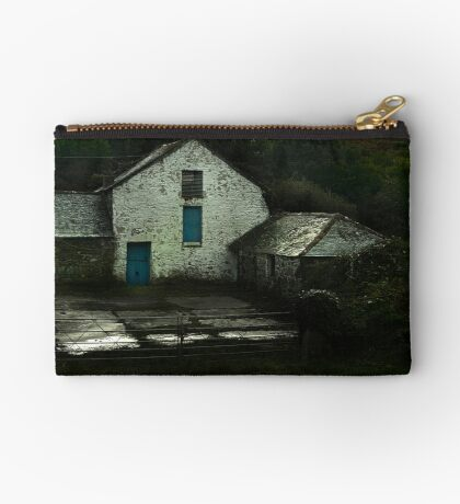 Old Farm Zipper Pouch