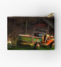 Old Fords never die, they just become picturesque 2 Studio Pouch