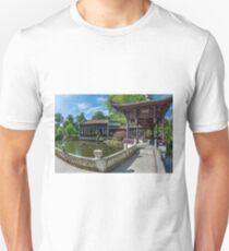 Chinese park in Frankfurt am Main. Unisex T-Shirt