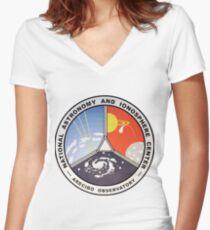 Nationales Zentrum für Astronomie und Ionosphäre (NAIC) Tailliertes T-Shirt mit V-Ausschnitt
