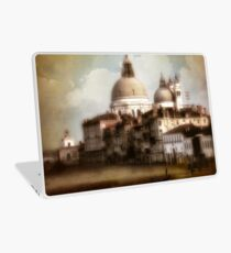 the last time I saw venice... Laptop Skin