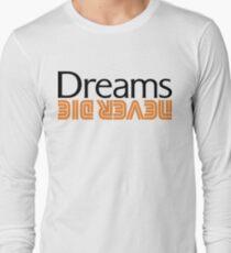Dreams Never Die, Dreamcast, Retro, Sega, Arcade, Genesis, Sonic, Phantasy Star, Ristar, Nights, Powerstone, Soul Calibur, Crazy Taxi, Gamer Long Sleeve T-Shirt