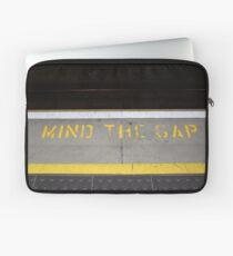mind the gap Laptop Sleeve