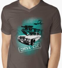 Ford Falcon XY GTHO Phase III (Grunge) © Men's V-Neck T-Shirt