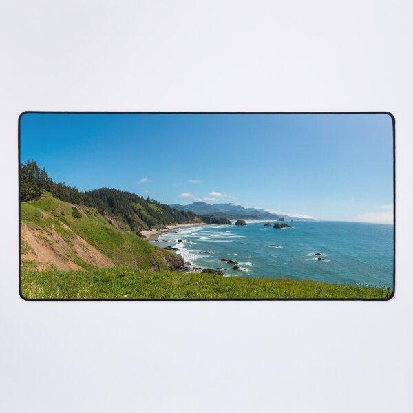 The coast along the Pacific Northwest Desk Mat