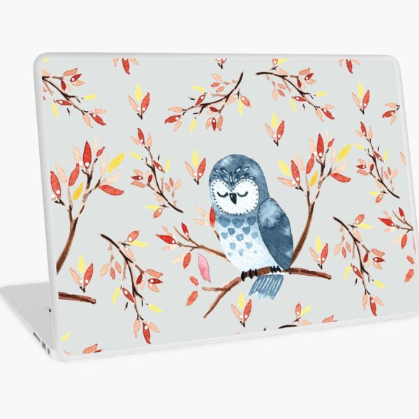 Cute watercolor owl and autumn leaves, grey background Laptop Skin