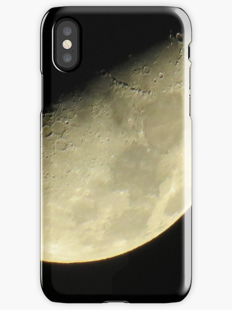 Moon over New York City  by Alberto  DeJesus