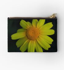 Chrysanthemum coronarium Studio Pouch