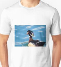 colourful male wood duck in a pond   T-Shirt