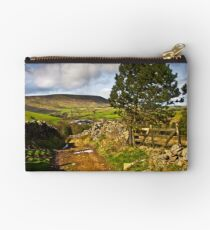 The old farmers track to Pendle Hill Studio Pouch