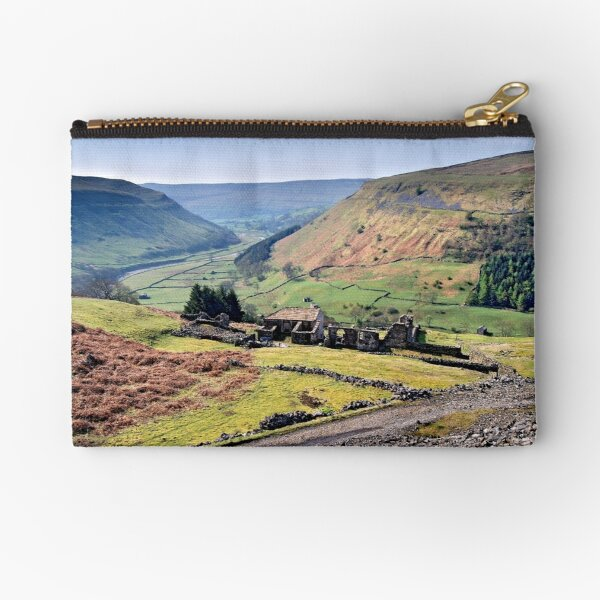 Crackpot Hall - The Yorkshire Dales Zipper Pouch