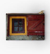 Windows Around The World 1 Studio Pouch