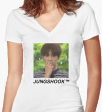 Jungshook™ Women's Fitted V-Neck T-Shirt