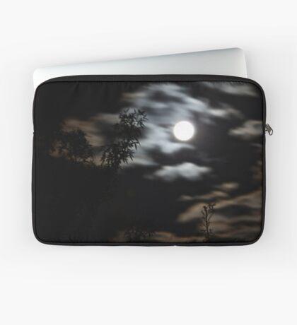 Eerie Orange skies and moon over Geelong (14/09/11) Laptop Sleeve