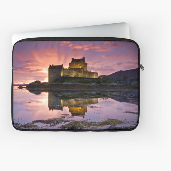 Scotland: Eilean Donan Castle Laptop Sleeve